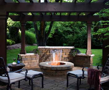Outdoor fire pits are great landscape ideas for your Rochester New York (NY) backyard. Contact Acorn for more info 585.442.6373